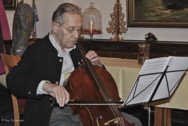 Jürgen am Cello